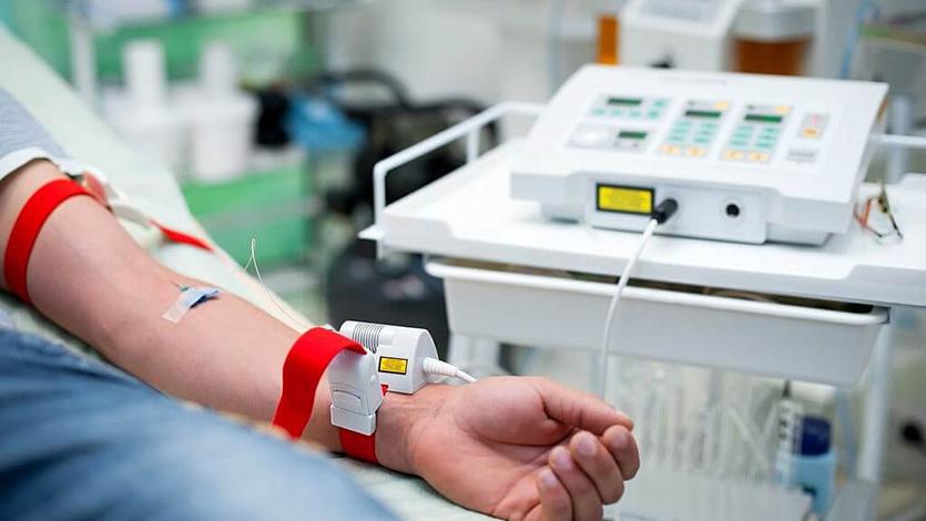Дневной стационар ФГБУ «Поликлиника №4» приглашает Вас на внутривенное лазерное облучение крови (ВЛОК)